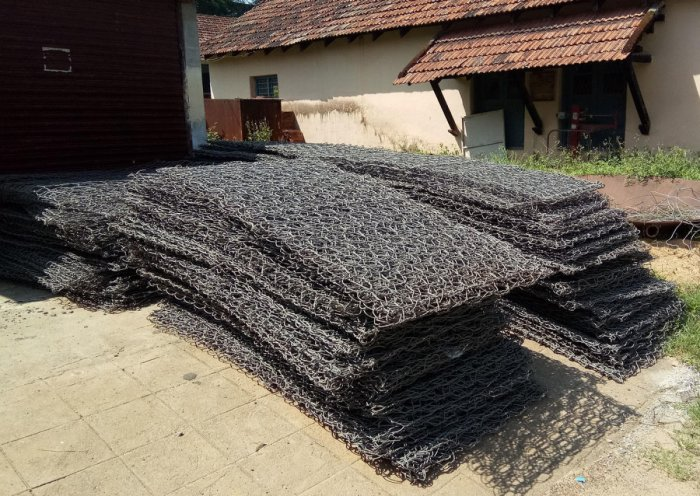Gabion mesh has been procured by the PWD towards the repair of the retaining walls of Makutta Road.