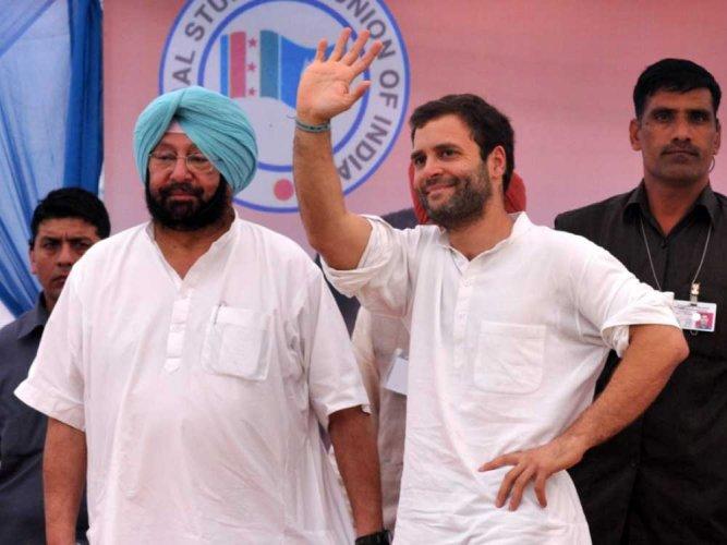 Punjab CM Cpt Amarinder Singh with Congress president Rahul Gandhi. (PTI file photo)