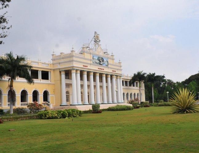 Crawford Hall, the administrative block of the University of Mysore (UoM), in Mysuru.