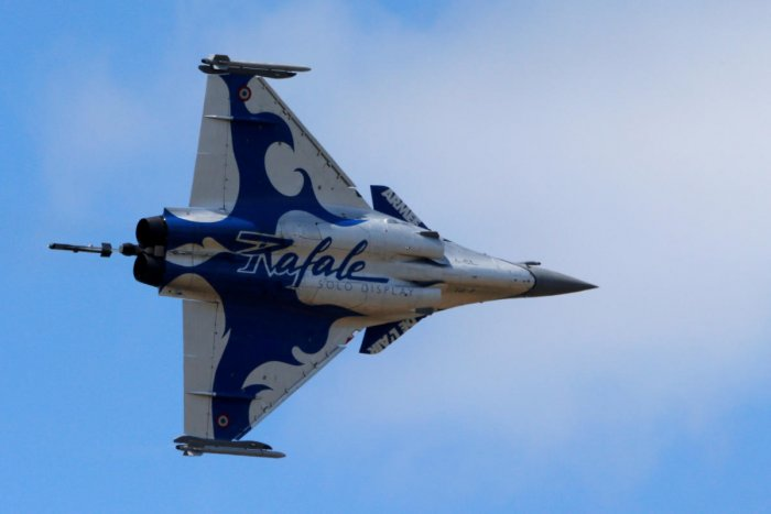 A Dassault Rafale fighter takes part in flying display during the 52nd Paris Air Show at Le Bourget Airport near Paris, France. REUTERS