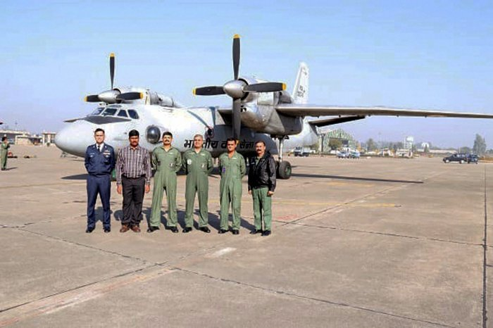 The Indian Air Force on Tuesday set a new record as its planes airlifted 463 tonnes of the load from its airbasein Chandigarh to the airfields and remote drop zones