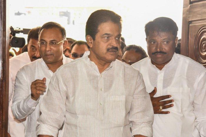 K C Venugopal, AICC Karnataka incharge, Dinesh Gundurao, KPCC president. DH File Photo by S K Dinesh