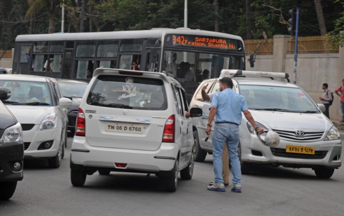 A road rage scene in Bengaluru. Behavioural health professionals say anger management cases in the city have risen by up to 50 per cent over the past decade. DH Photo