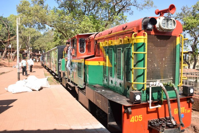 A view of Matheran Hill Railway, the mini train that runs in the smallest hill station in India. DH PHOTO/ Mrityunjay Bose