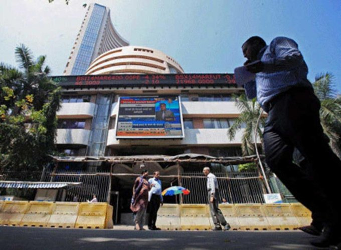 The benchmark BSE Sensex was trading 28.05 points, 0.08 per cent, lower at 35,714.02, after swinging over 200 points between highs and lows of 35,910.67 and 35,675.02, respectively. (PTI File Photo)