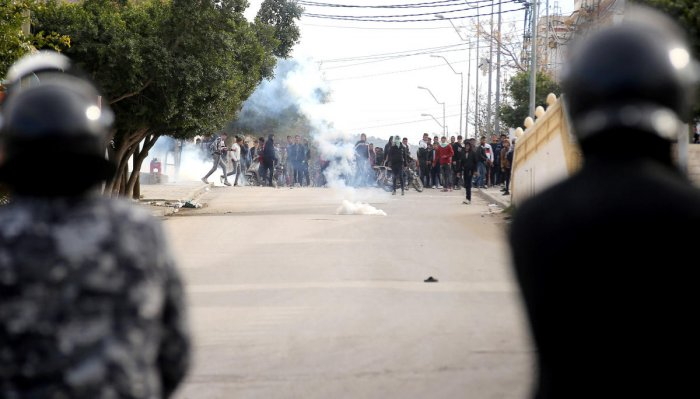 Riot police clash with protesters during demonstrations, in Kasserine, Tunisia December 25, 2018. (REUTERS)