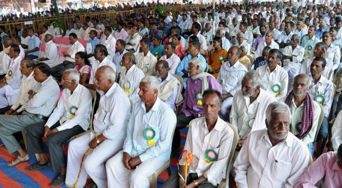 Farmers take part in the organics and millets fair in Chikkamagaluru on Saturday.