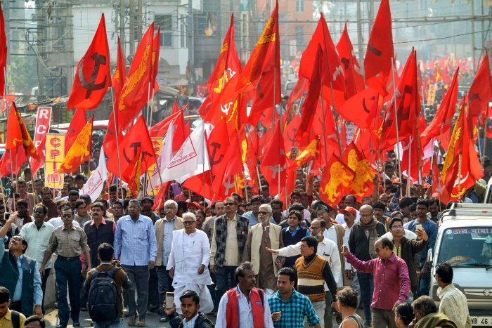The West Bengal leadership of CPM failed to arrive at a consensus whether it should enter into an alliance with Congress