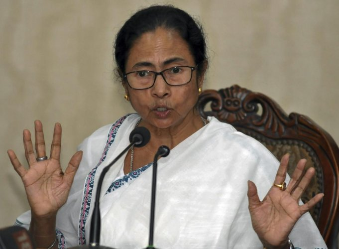 West Bengal Chief Minister Mamata Banerjee announces sops for farmers as New Year gifts for them during a press conference,at State Secretariat near Kolkata, Monday, Dec. 31, 2018. (PTI Photo)