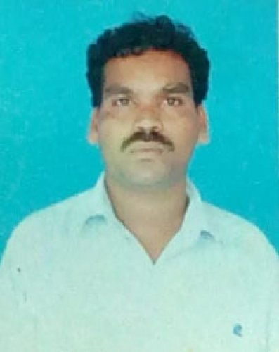 Rajendra, the vegetable-vendor who returned the valuables.