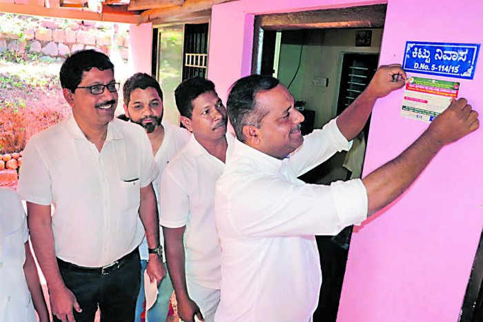 New intiative: District In-charge Minister U T Khader launches the 11-day TB active case finding and treatment campaign in Mangaluru on Wednesday. dh photo