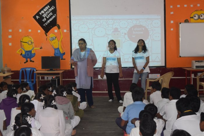 Aaryani Sahay and Kashish Singh help school children open up to parents and teachers.