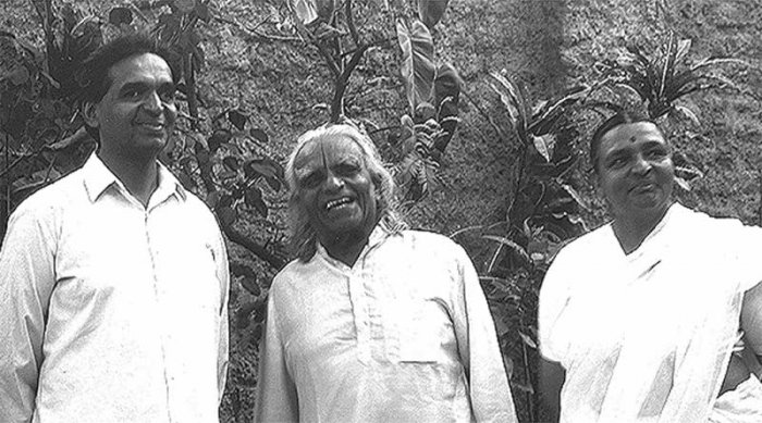 Iyengar with his son Prashant and daughter Geeta. Photo Credit: Iyengarnyc.org