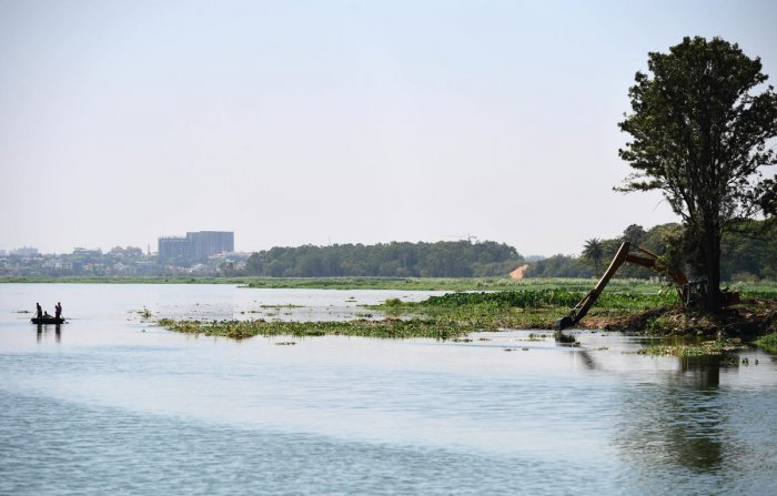 Revival plan: The Bangalore Development Authority has cleared the encroached areas in and around the Bellandur Lake. DH file photo