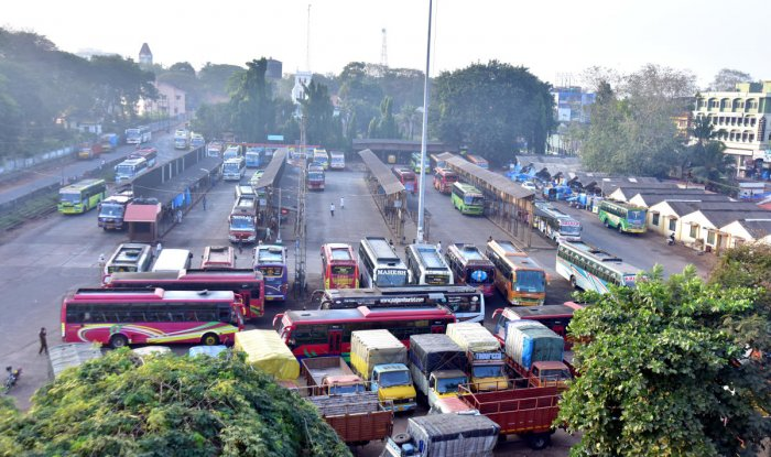 Service buses to Udupi, Kundapur remain parked at the service bus stand in Mangaluru during the bandh on Tuesday.