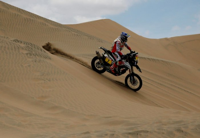 STEADY GOING: Hero Motosports' Oriol Mena tackles a sand dune in Stage 2 of the Dakar Rally on Tuesday. REUTERS