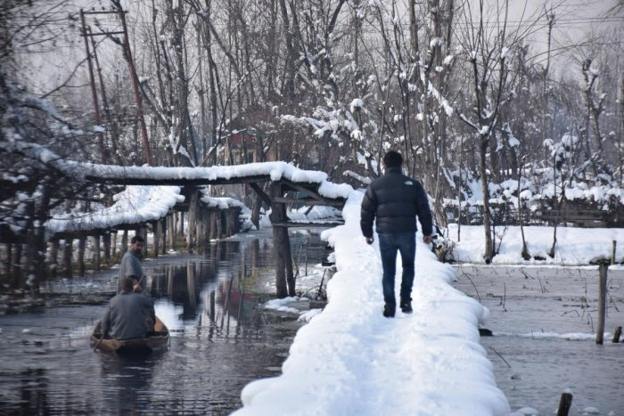 Severe cold wave tightened its grip over the Kashmir Valley. (Photo by Umer Asif)