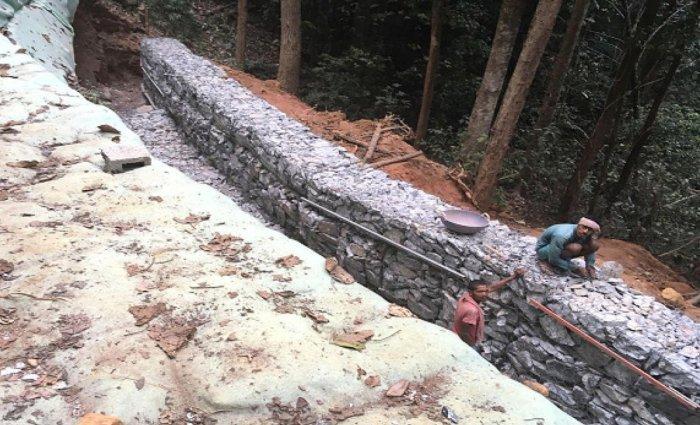 The work on Makutta Road is in progress.