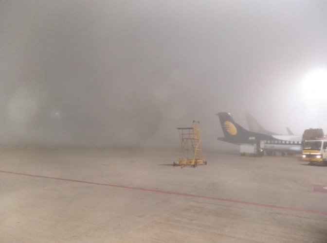 Fog delayed several flights from the Kempegowda International Airport. DH Photo
