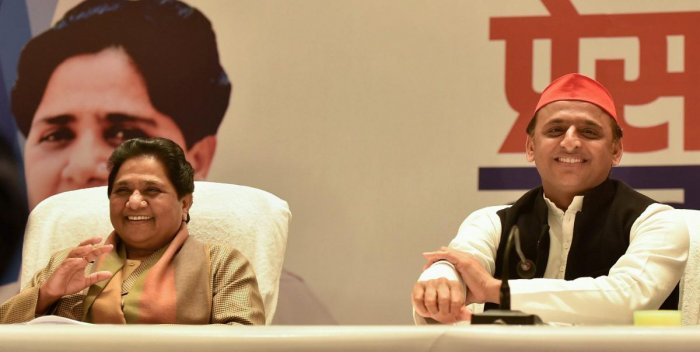 BSP supremo Mayawati and Samajwadi Party President Akhilesh Yadav during a joint press conference, in Lucknow, Saturday, Jan. 12, 2019. (PTI Photo)