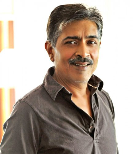 "Jha, whose filmography stands on a string of sociopolitical features such as ""Mrityudand"", ""Gangaajal"" films and ""Apaharan"", said the entire scenario shifts when there are elections."