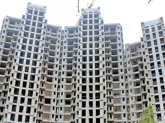 The two forensic auditors told the apex court that they have issued notices to 655 people on whose names 'benami' flats were booked but no one was found in 122 such locations. DH File Photo/ for representation only