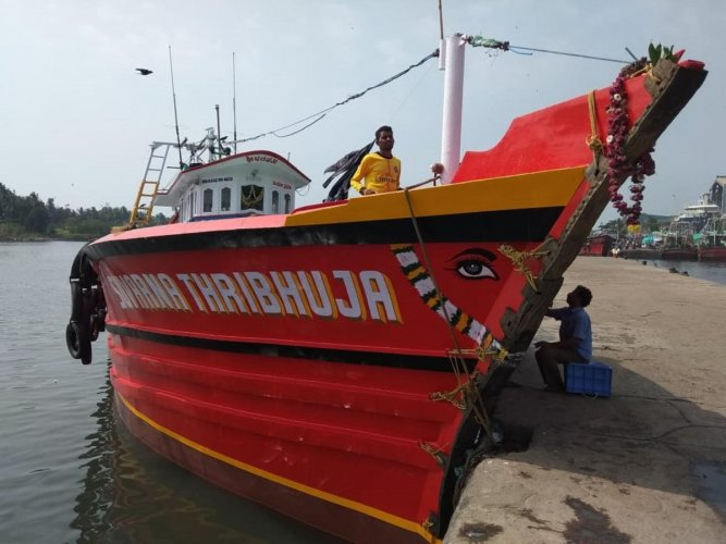 The fishing boath Suvarna Thribhuja ventured into the sea on December 13 and had been untraceable since then. The boat had seven fishermen on board.