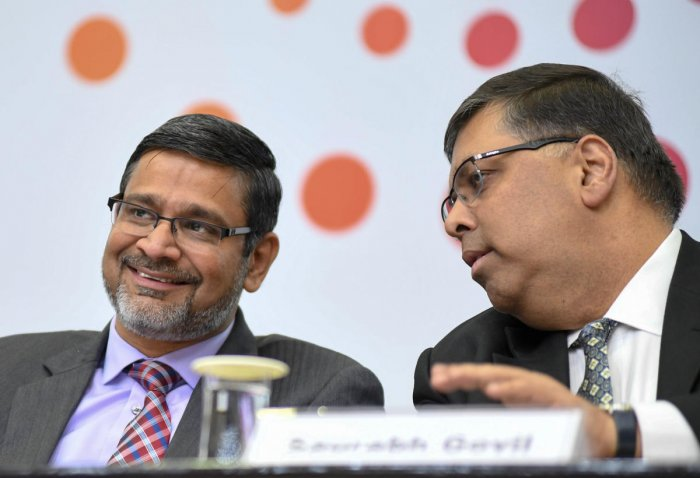 Abidali Z Neemuchwala, CEO Wipro (Left) and Saurabh Govil, Senior Vice President and CHRO, Wipro, are seen at the press conference during the announce of Wipro Q3 2018-19 financial results, at Wipro Limited in Bengaluru on Friday. Photo/ B H Shivakumar