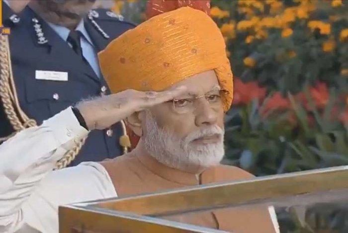 Prime Minister Narendra Modi salutes at Amar Jawan Jyoti. (Video grab)