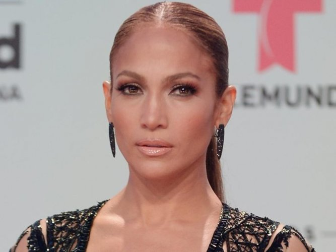 Jennifer Lopez believes getting married does not ensure one happiness. File photo