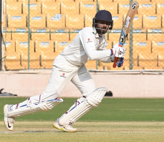 GUTSY: Karnataka's Shreyas Gopal lapped up the challenge of excelling in a game as important as the Ranji Trophy semifinal with superb temperament. DH PHOTO/SRIKANTA SHARMA R