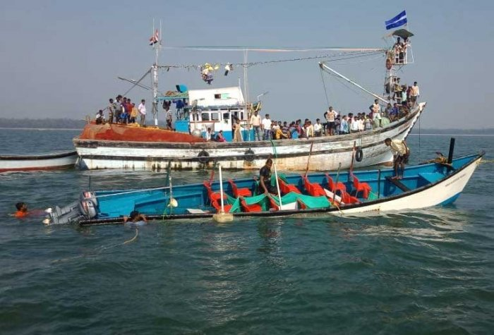 The death toll in the boat tragedy near Kurmagad in Karwar went up to 16 with the rescue team retrieving the body of a boy on Monday. DH file photo