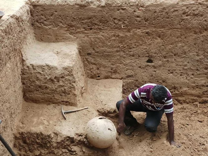 Sources told DH that trenches would now be dug in eight villages – Konthagai, Agaram, Maranadu, Allinagaram, Thavalaikulam, Sakkudi and Manalaur, Pallisanthai Pudur – all located within 20 km radius of Keezhadi. DH photo
