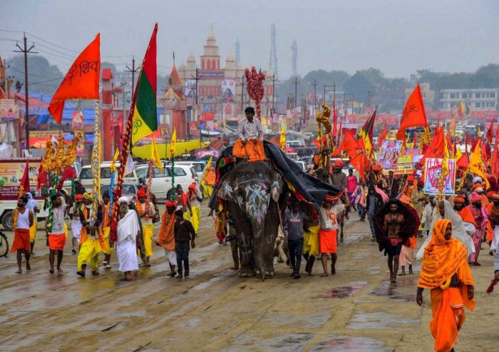 Along with the holy dip at the 'sangam' and the sermons at different 'ashrams', the Kumbh at Prayagaraj had also been witnessing a sort of 'dharm yuddh' (religious war) among the seers on the vexed issue of Ram temple construction at Ayodhya. PTI file photo