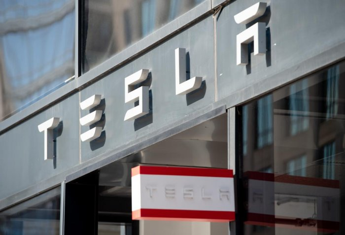 Tesla shares were down 0.4 percent at $307.42 at mid-morning after falling as much as 4.8 percent earlier in the session. (AFP File Photo)