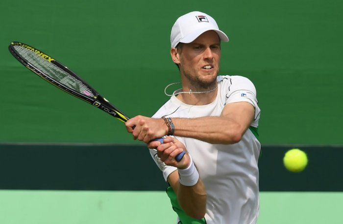 COMMANDING SHOW: Italy's Andreas Seppi returns during his win over India's Ramkumar Ramanathan on Friday. AFP