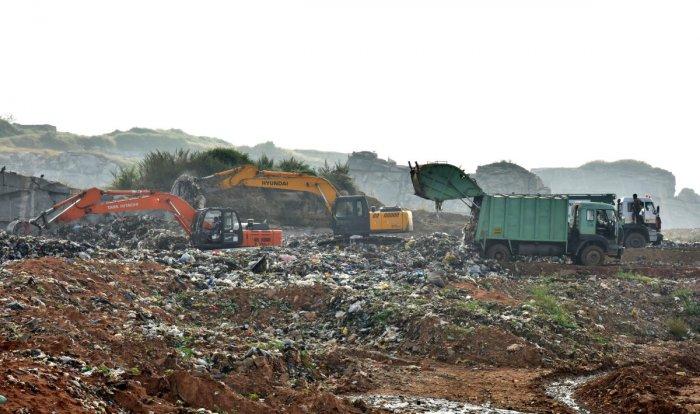 BBMP dumping yard at Bellali village near Kannuru on Bengaluru outskirt on Wednesday. Photo by Janardhan B K