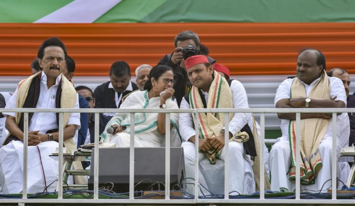 West Bengal Chief Minster Mamata Banerjee, Samajwadi Party President Akhilesh Yadav, Karnataka CM HD Kumaraswamy and DMK President MK Stalin during TMC mega rally 'Brigade Samavesh', in Kolkata on Jan 19, 2019. (PTI Photo)