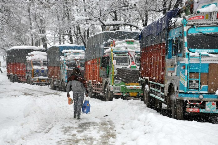 A traffic police official said snow clearance operation was completed from Banihal to Qazigund on the highway, but Ramsoo-Ramban stretch is still filled with landslides. (DH File Photo)
