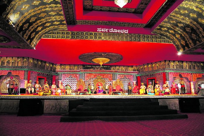 The reign of King Adinatha enacted as part of 'Panchamahavaibhava,' a ballet , organised as a part of Mahamastakabhisheka of Bahubali at Dharmasthala on Monday. (Right) Women present a dance on the occasion.