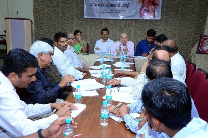 Experts speak at the round table meeting at Canara Pre-university College, Mangaluru.