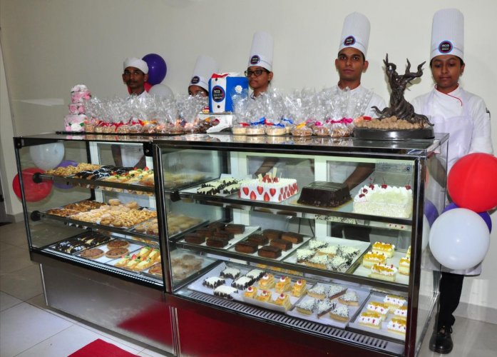'MOB-Ministry Of Bakery,' the shop with a wide variety of pastries, cakes, breakfast viennoiserie, cookies and savouries in Manipal.