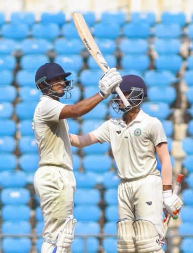 The match was called off after Ganesh Satish's fall on 87 with Vidarbha needing just 11 runs for win. PTI