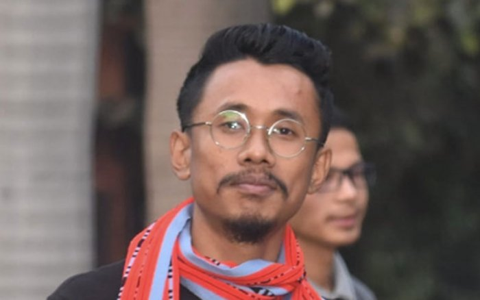 Manipur high court on Tuesday granted bail to students' leader, Veewon Thokchom, who was arrested on Friday on sedition charge.