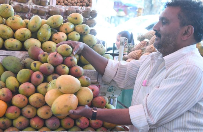 Mangoes at the Gandhi Bazaar market in Basavanagudi on Thursday. DH Photo/Srikanta Sharma R