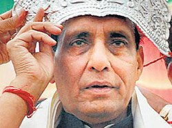 Gadkari out of BJP prez race, Rajnath likely choice