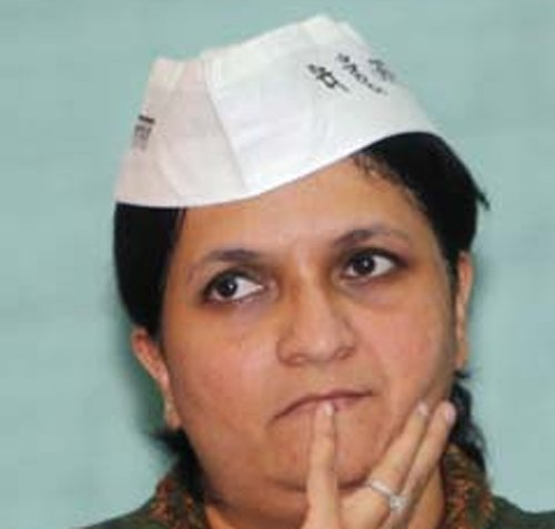 Ready to expose Gadkari and his five more scams:Anjali Damania