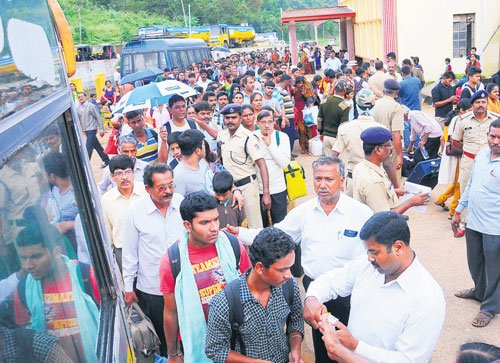 Narrow escape for passengers as Karwar-Bengaluru train derails