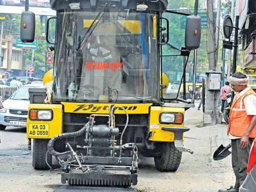 Amid opposition, BBMP firm on using pothole patcher