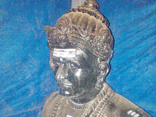BBMP yet to remove illegal statue, residents angry